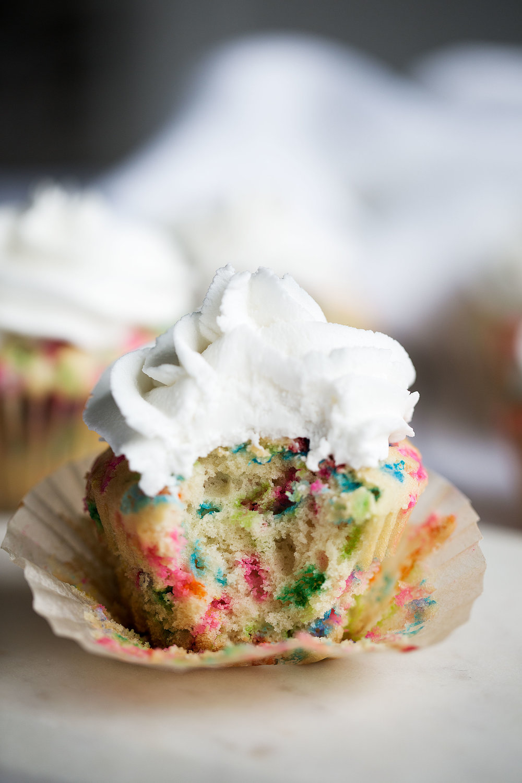 cereal milk funfetti cupcakes