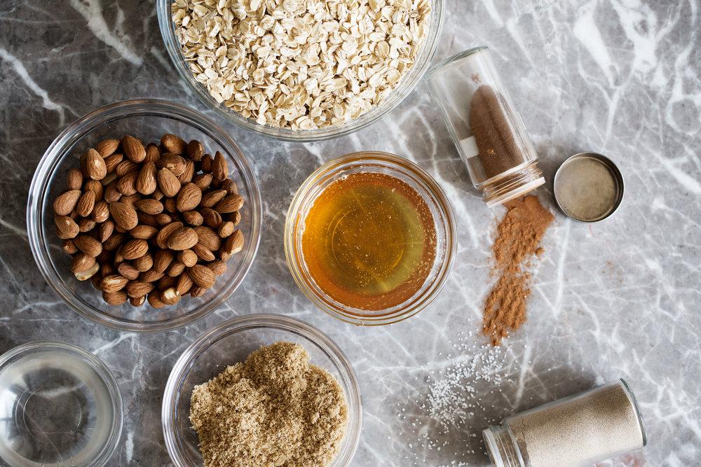 honey almond granola ingredients