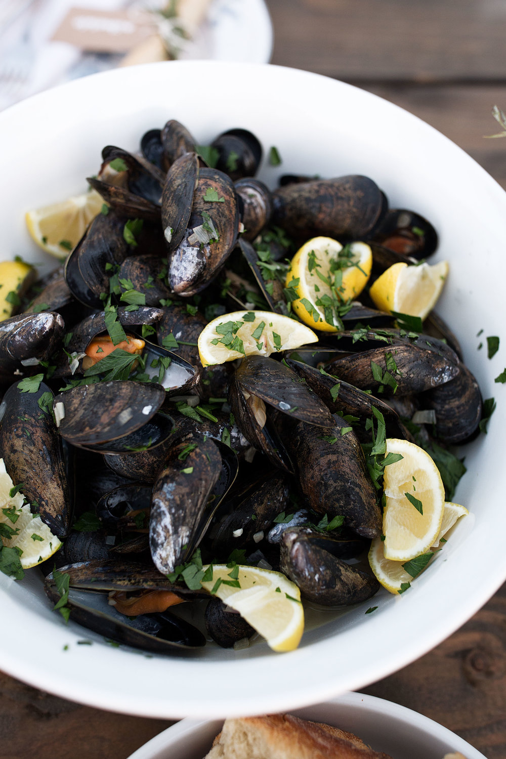 mussels white wine garlic broth cooking with cocktail rings
