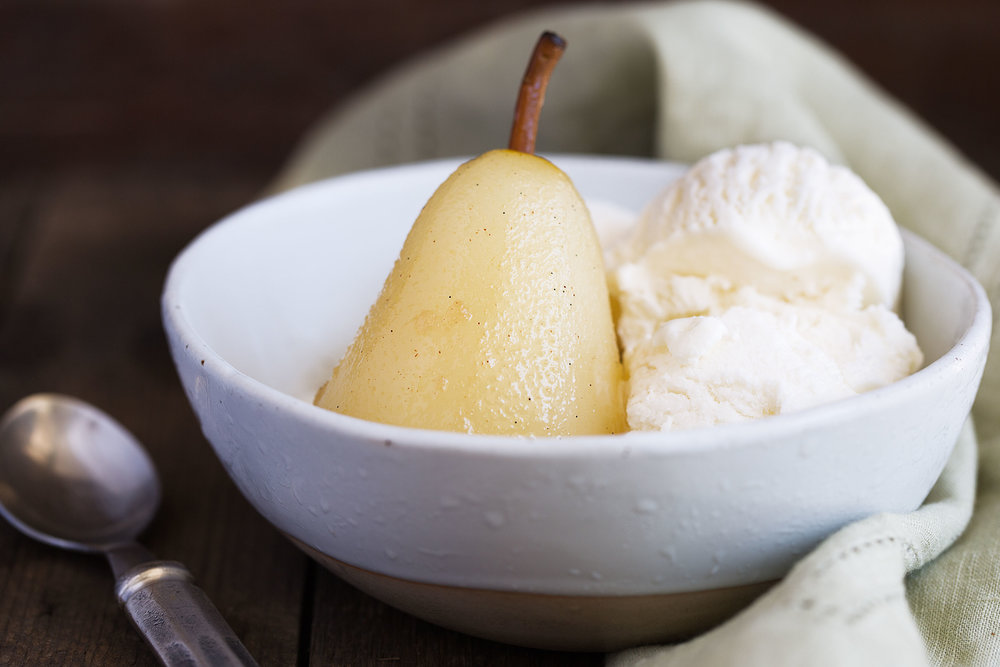 poached pears in vanilla ice cream with cinnamon and vanilla cooking with cocktail rings