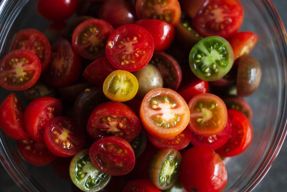 tomato avocado mozzarella salad heirloom cherry tomatoes