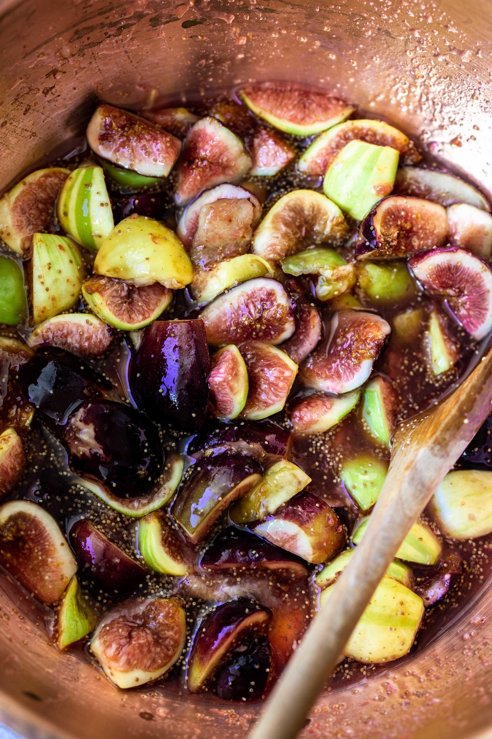 macerated figs for jam with cinnamon and black peppercorns