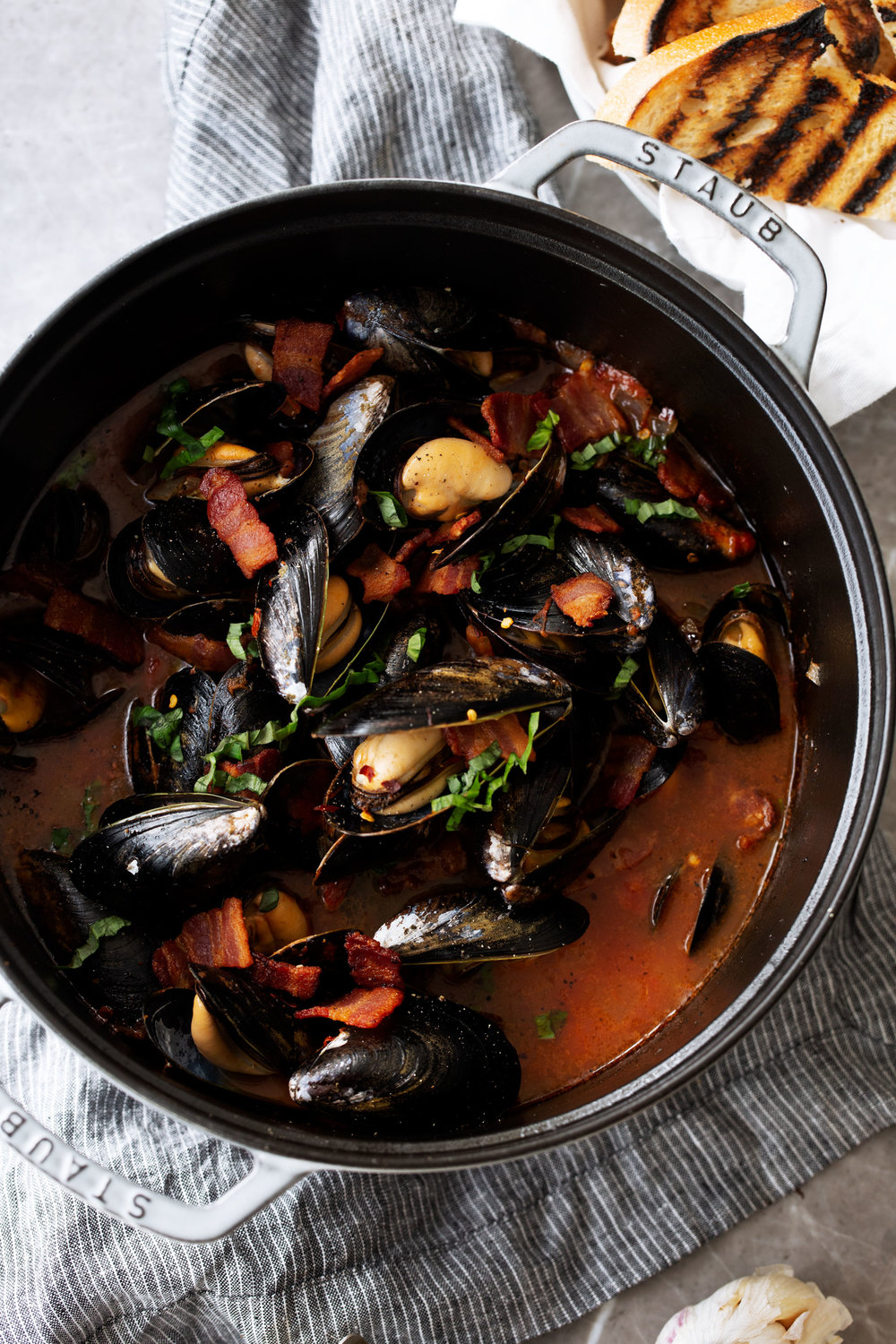 Mussels-in-Tomato-Broth-with-Bacon-Pomi-9.jpg