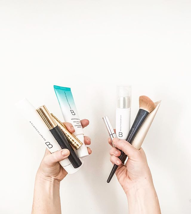 Hi! It's a very happy Tuesday because @beautycounter is having a friends + family 15% OFF SITEWIDE SALE! 🎉🙌🏻🧡 I share the importance of #betterbeauty with you all a lot and today is a day for YOU! . If you are new to safer products, now is the perfect time to try out a few. Message me for any help picking out what you need! When I started, I swapped out the products I used the most: face cleanser, face lotion, mascara, foundation... trust me, your health & skin will thank you! (The average women wears an estimated 500 chemicals a day on their body 😳) . No promo code needed! Open to everyone. Goes until 4/15! LINK IN BIO 😘 . #betterbeauty #businessofclean #beautycounter #cleanliving #healthyliving #cleanbeauty