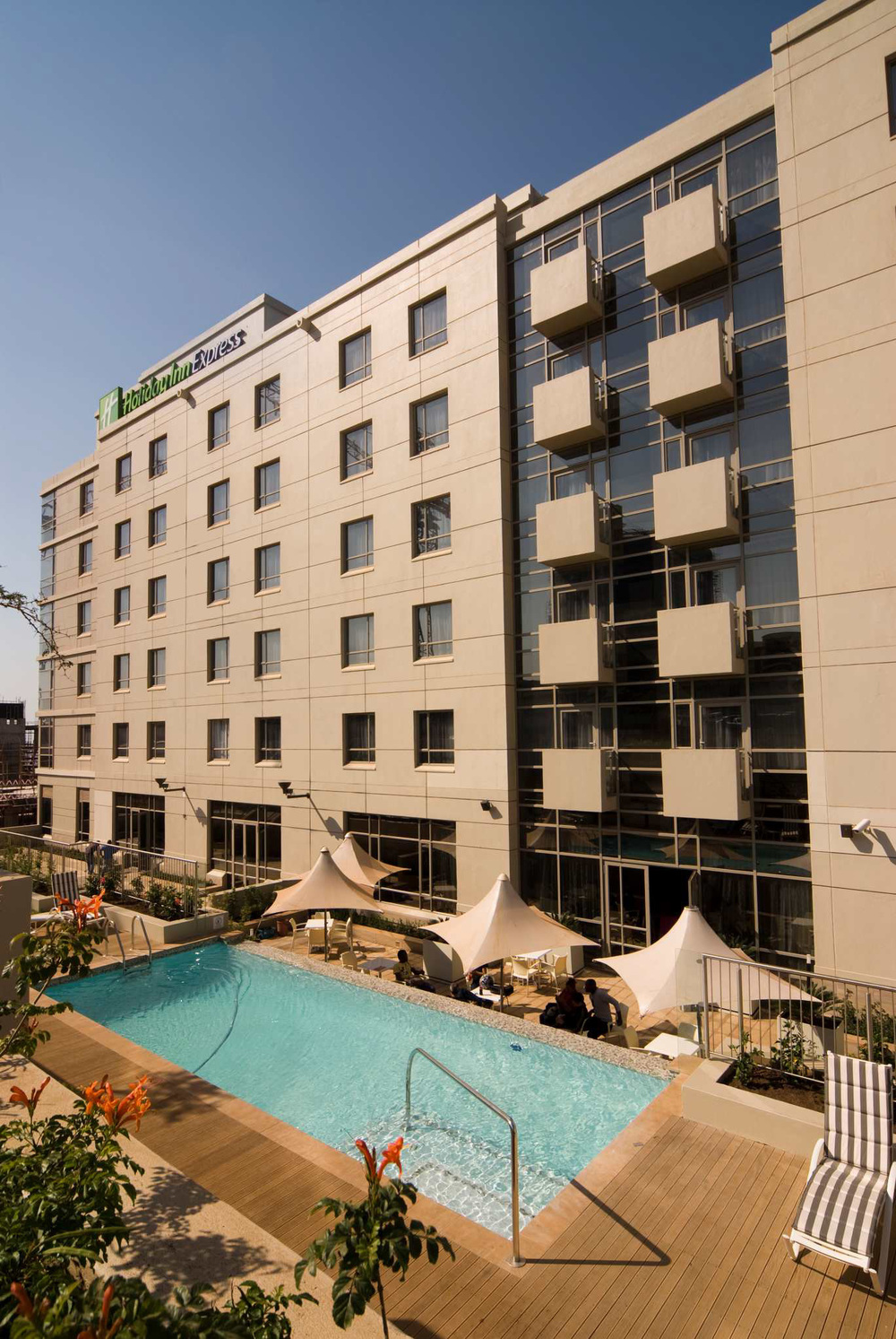 hotels-holiday inn express umhlanga2.jpg