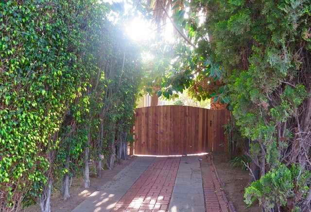 847 n Orange Grove Ave Los Angeles, CA 90046