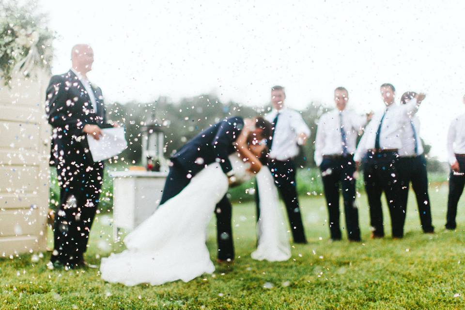 For more amazing wedding photos, check out Giving Tree Photography!