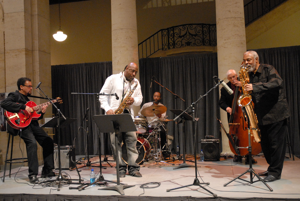 A. Spencer Barefield Quintet at the Detroit Institute of Arts with, left to right, A. Spencer Barefield, Dave McMurray, Djallo Keita, Dave Young and Hamiet Bluiett. Photo by ©Barbara Barefield