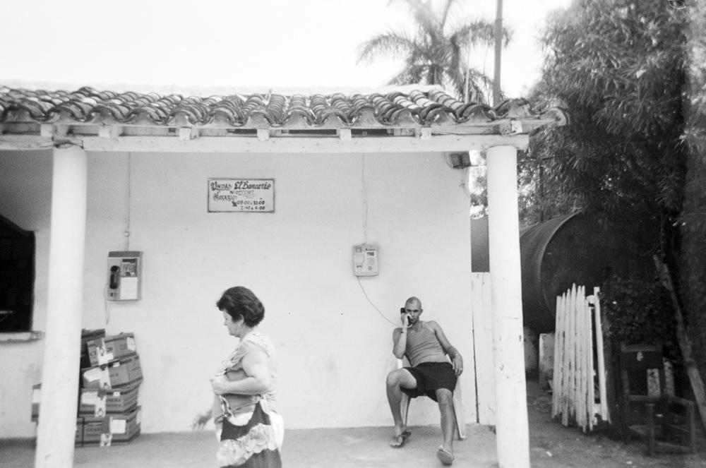 vinales_street_film.jpg