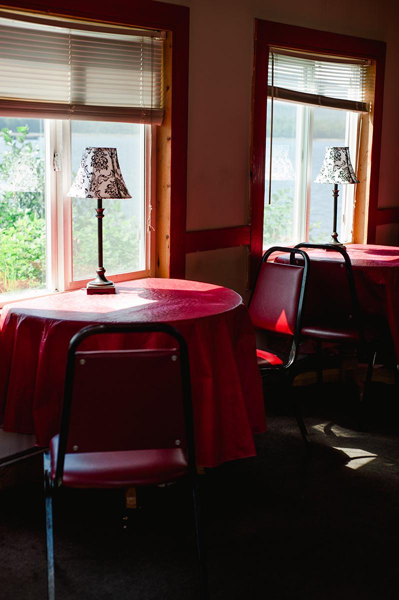 18_alaska_roses_diner.jpg