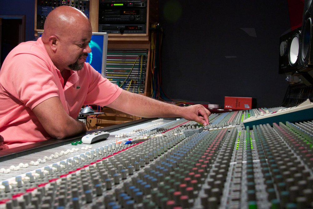 Gary Noble - Mixing/Producing(Jazmine Sullivan, Estelle, Amy Winehouse, Jordin Sparks, Faith Evans, Anthony Hamilton). Mixing engineer and producers for independent artists and major label artists.