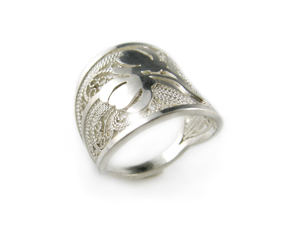 carly-cooke-lacey-lady-filigree-ring-web.jpg