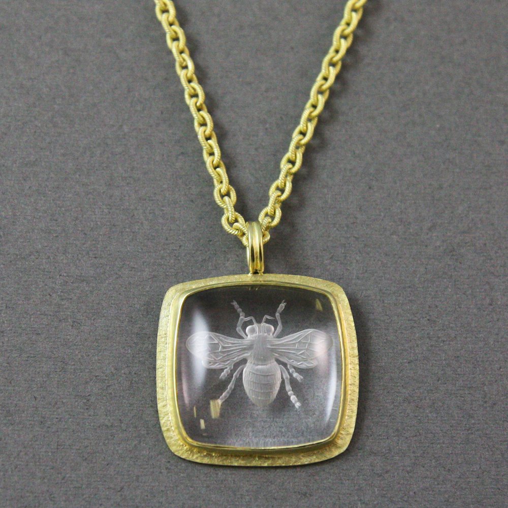 FLORFAU bee carving pendant (1 of 1).jpg