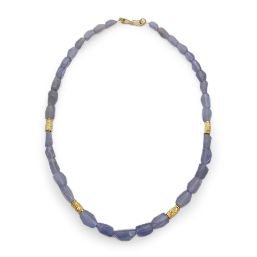 PATTERN chalcedony necklace w beads (1 of 1).jpg