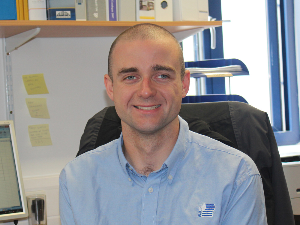 CHRIS ROBERTS :: ACCOUNT DIRECTOR