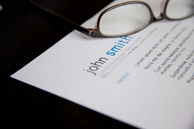 "No more ""lorem ipsum dolor""! Customize your resume & cover letter. [ Image courtesy: www.flazingo.com ]"
