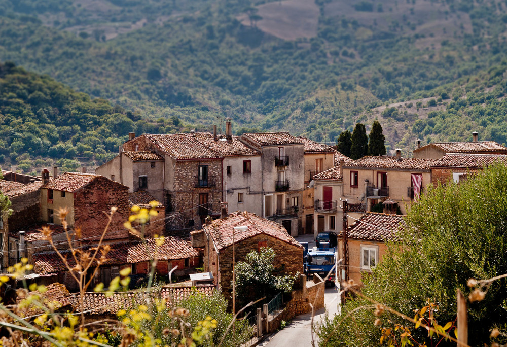 sicilian-small-village-michele-ursino.jpg