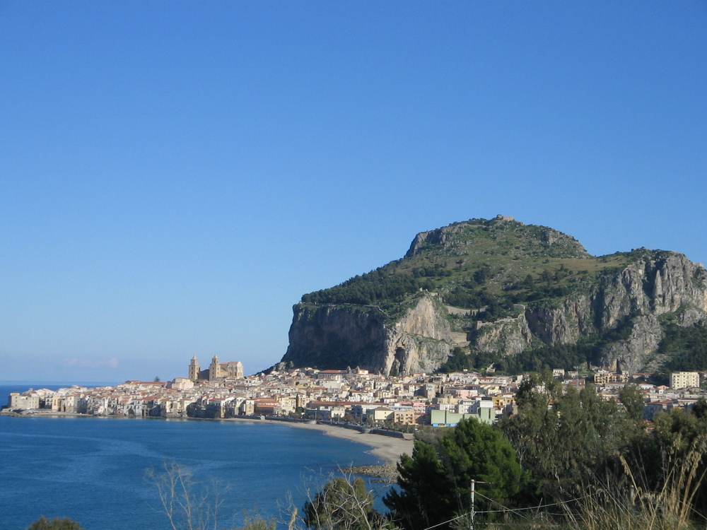 Cefalù panoramic (photo by Piero Tasso, 2005).JPG.jpeg