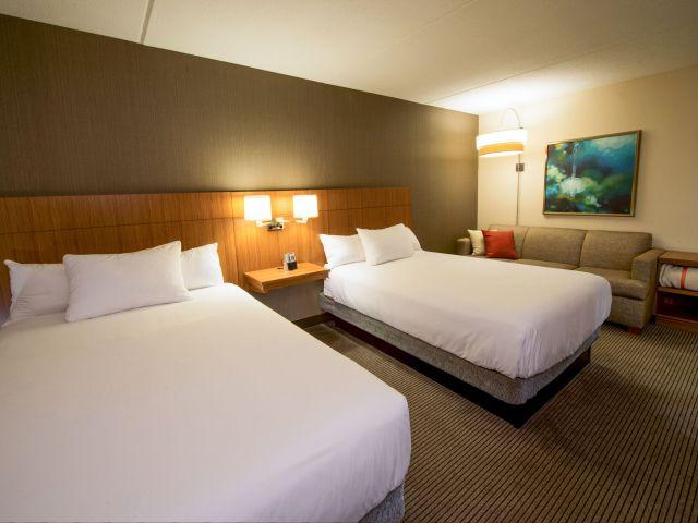 BOSZB-P019-Guestroom-Doubles.4x3.adapt.640.480.jpg