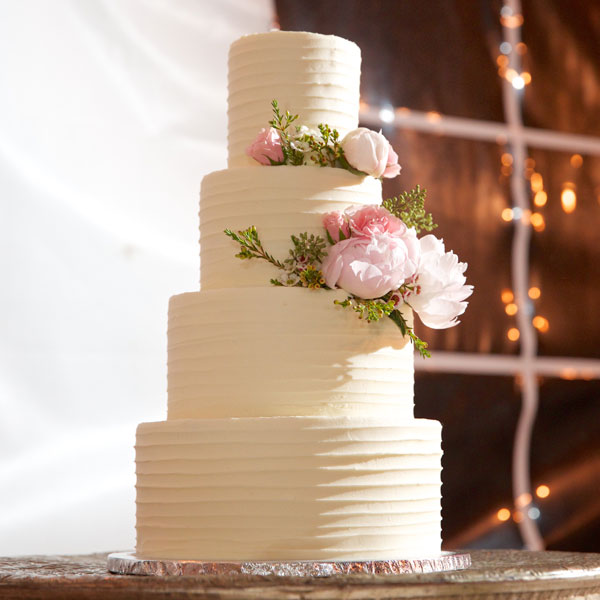 neda-josh-wedding-cake1.jpg