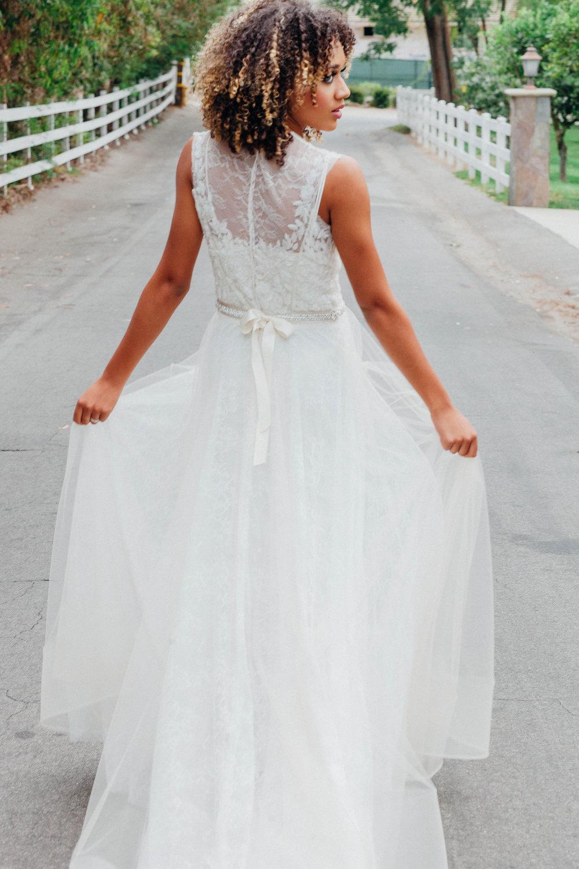 Lezu Style Pham wedding Dress