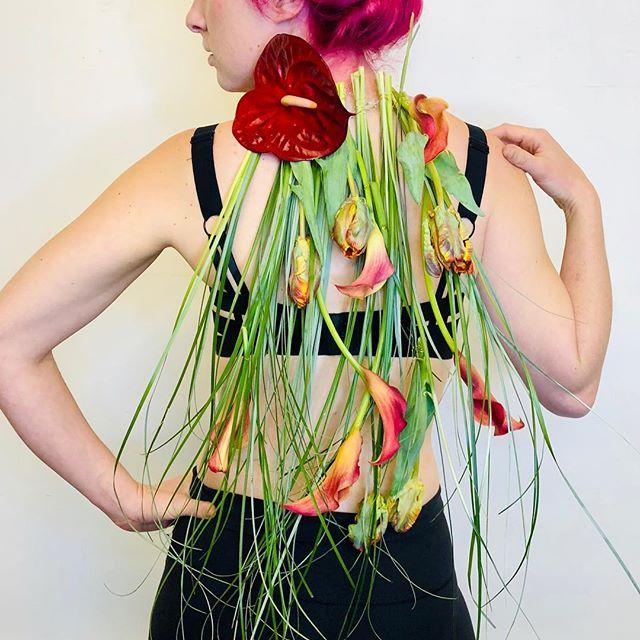 Sexy callas!#dandelionflowershop #flowerjewelry