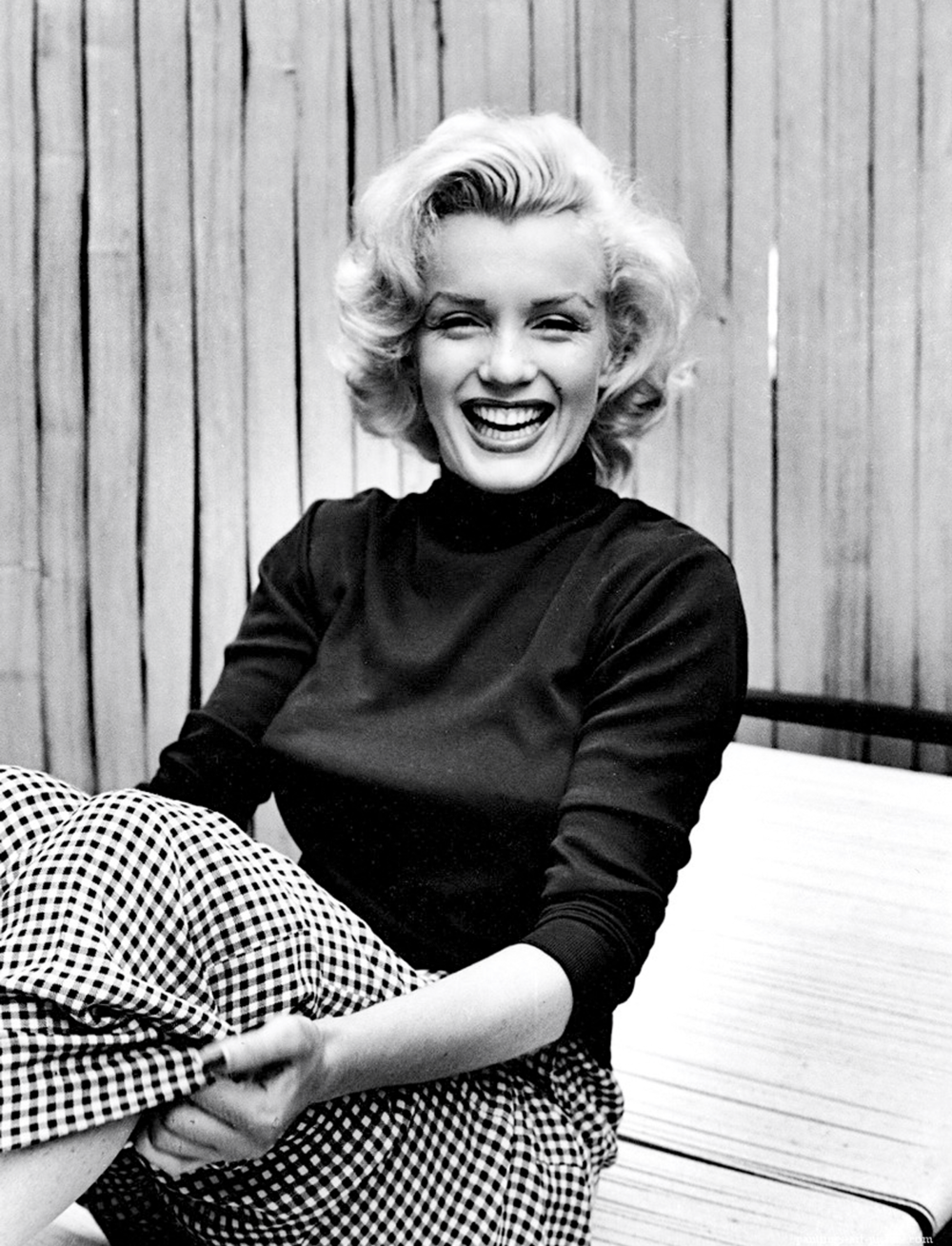 Marylin Monroe wearing gingham | @themissprints