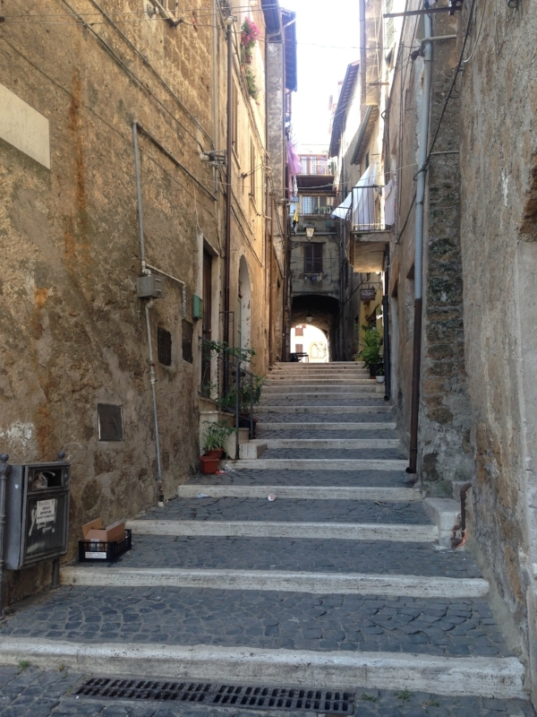 Blissfully lost in an old alleyway in Civita Castella...