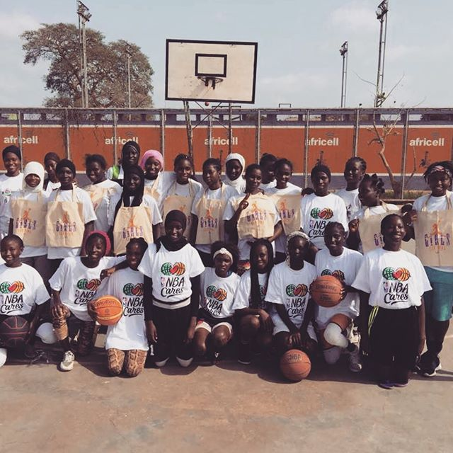 We don't know how to say more than a BIG Thank You to the amazing ambassador of basketball @theladyhoop, Ms. Syra Sylla,  for her support of us and our kids - and for helping to make them feel special. And check her out @ladyhoopshop 🇬🇲❤️🏃🏿‍♀️🏀#ladyhoop #ladyhoopers #girlscandunk #girlscan #womenempowerment #madeinafrica #ambassador #teamsenegambia #growthegame #hoopdreams #risegambia #gambia #africa #ascendtogether