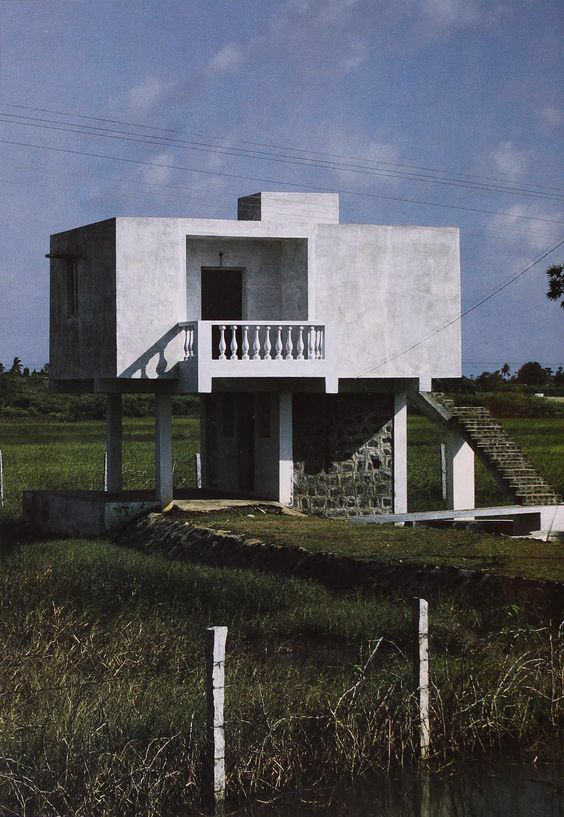 Between Madras and Mahabalipuram, India, 1987. Photograph by Ettore Sottsass.