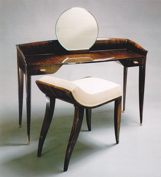 Émile-Jacques Ruhlmann, Small Dressing Table, circa 1920's. Macassar ebony, gilded bronze, and mirror.