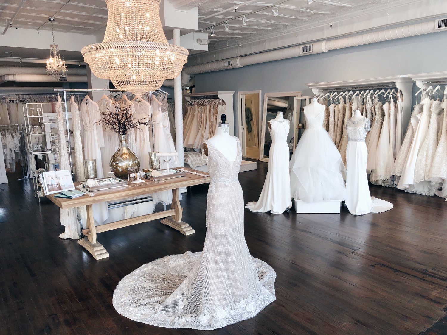 White Friday Holiday Event Columbus Ohio Designer Bridal Gowns La Jeune Mariee Collection,Wedding Traditional Wedding Guest Dress Ghanaian Lace Styles