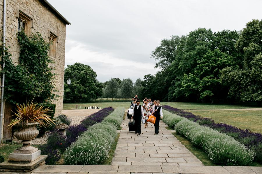Notley-abbey-buckinghamshire-england-wedding-abi-q-photography--104.jpg