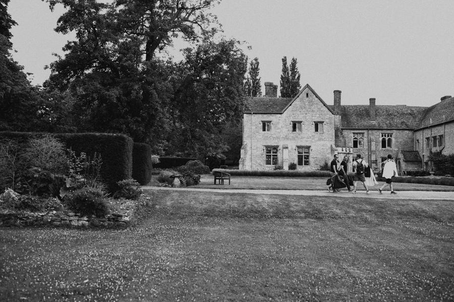 Notley-abbey-buckinghamshire-england-wedding-abi-q-photography--109.jpg