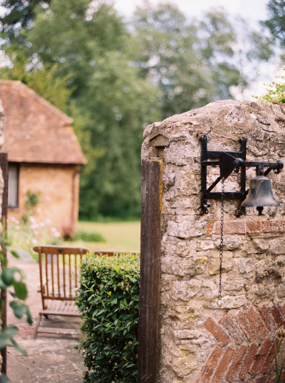 Notley-abbey-buckinghamshire-england-wedding-abi-q-photography--116.jpg