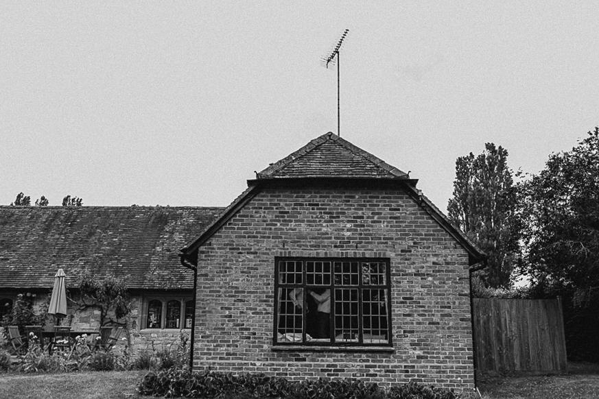Notley-abbey-buckinghamshire-england-wedding-abi-q-photography--118.jpg