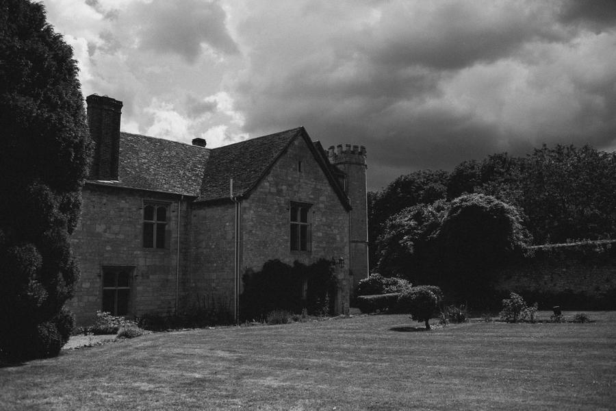 Notley-abbey-buckinghamshire-england-wedding-abi-q-photography--139.jpg