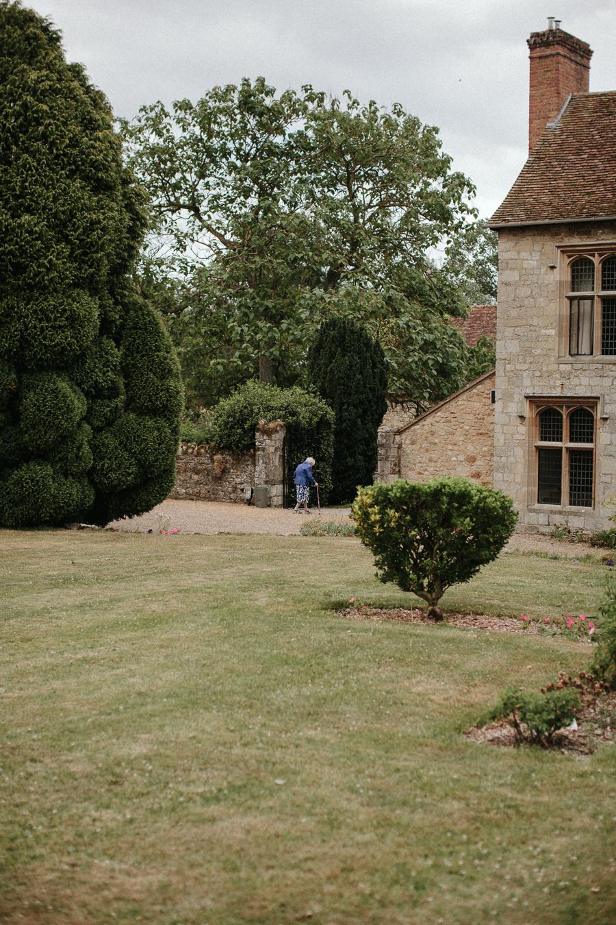 Notley-abbey-buckinghamshire-england-wedding-abi-q-photography--164.jpg