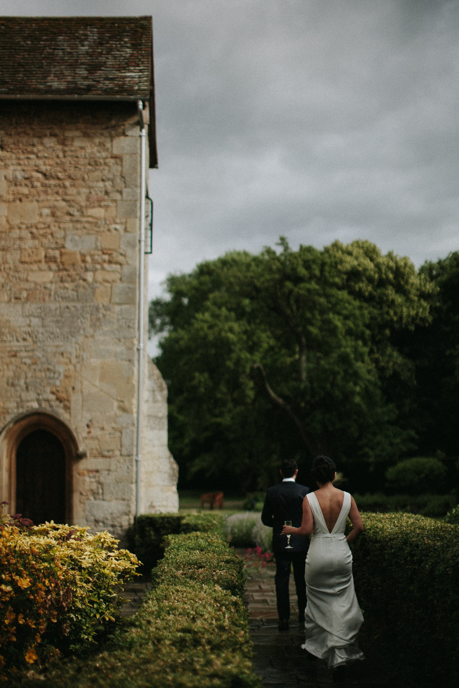 Notley-abbey-buckinghamshire-england-wedding-abi-q-photography--180.jpg