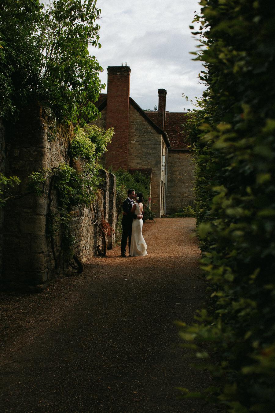Notley-abbey-buckinghamshire-england-wedding-abi-q-photography--186.jpg