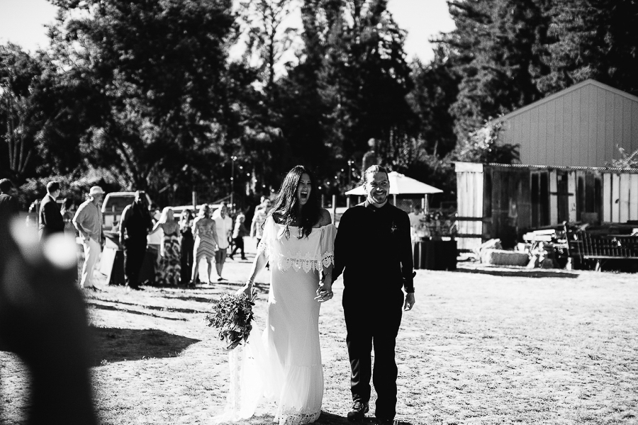 Santa-Cruz-Wedding-Abi-Q-Photography-Boho-backyard-153.jpg
