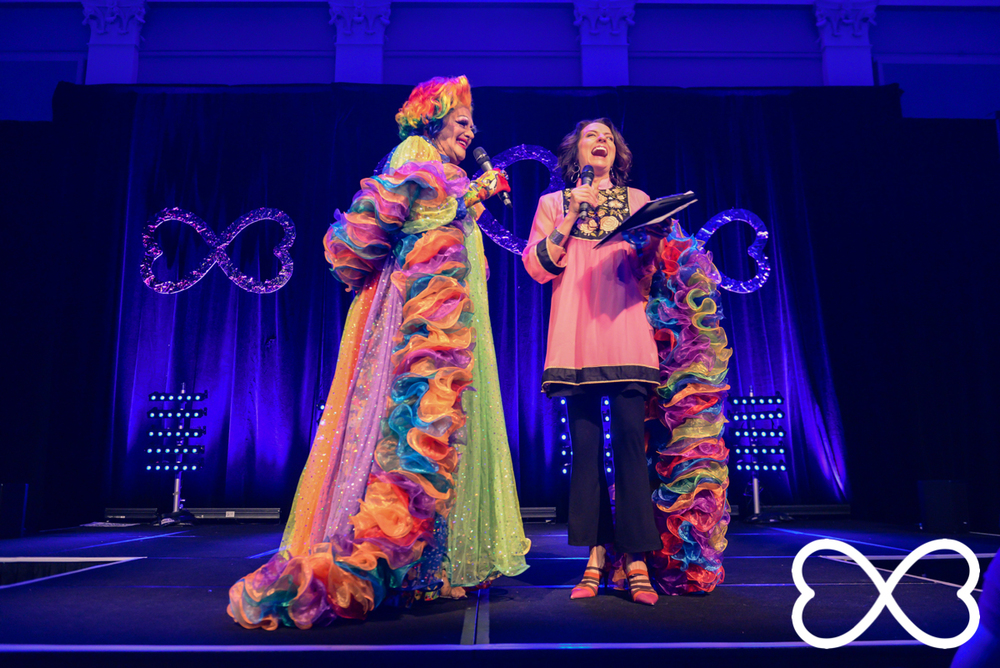 Hosts Polly Petrie and Gretel Killeen explain how the night will unfold at Lip-Sync Duels.  Photograph by Jeffrey Feng Photography for SGLMG.