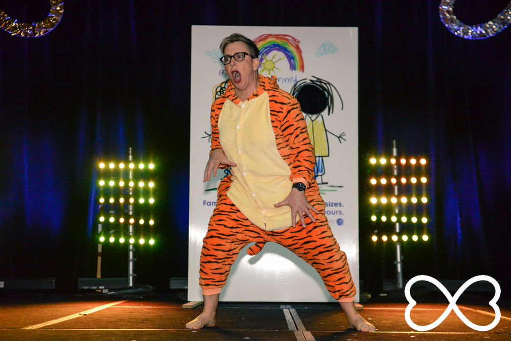Shelly Silberman takes on the Lion King at Lip-Sync Duels.  Photograph by Jeffrey Feng Photography for SGLMG.