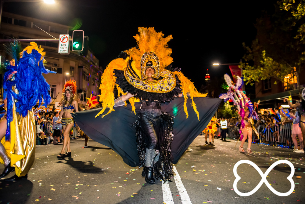 Heart-Jeffrey Feng Photography - Mardi Gras Parade-1844.jpg