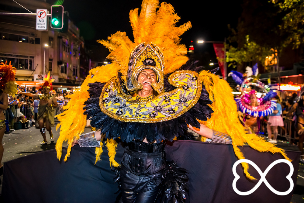 Heart-Jeffrey Feng Photography - Mardi Gras Parade-1845.jpg