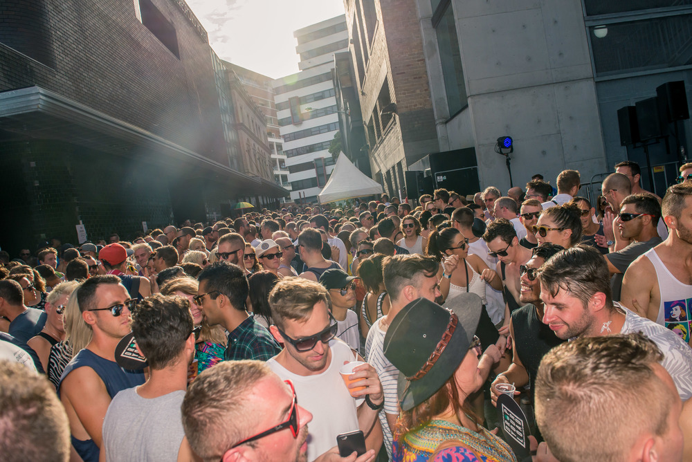 More than 2000 people attended the Laneway in 2016 and were treated to 14 DJs and shows all party long! Photo by Jeffrey Feng for SGLMG 2016.