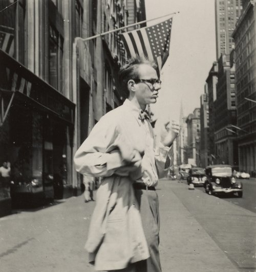 Philip Pearlstein Andy Warhol in New York City c1949 Archives of American Art. Smithsonian Institution. Used by permission.
