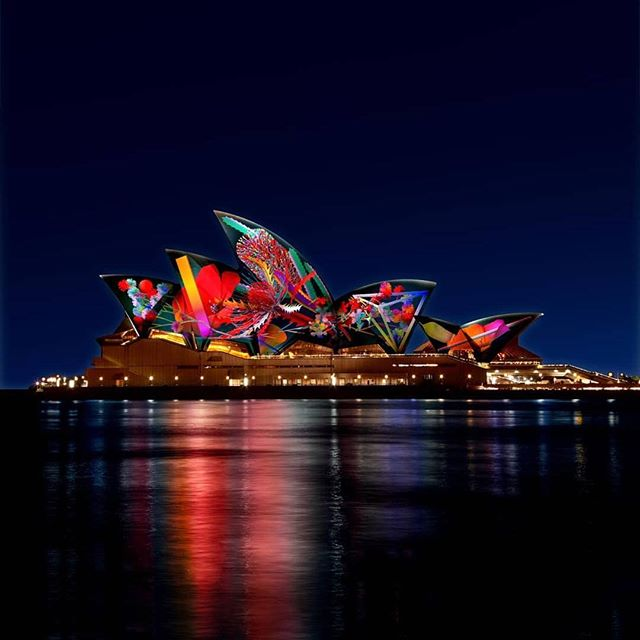 😍😍 #Repost @vividsydney: The #VividSydney 2018 program is now out! Celebrating our 10th anniversary, @SydneyOperaHouse 's sails will illuminate with 'Lighting of the Sails: Metamathemagical' by Australian artist @zawhatthe. Plan your visit on vividsydney.com and let us know which ✨ light, 🎶 music and 🗣️ ideas events you look forward to the most. 25 May to 16 June. See VividSydney.com!