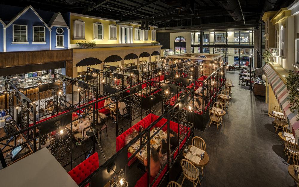 一店一風格 - 鞏固一店一設計理念,斥資千萬打造出各式風情從義式奢華莊園到天空夢想遊樂園樂尼尼每家分店都帶給消費者全新的視覺享受