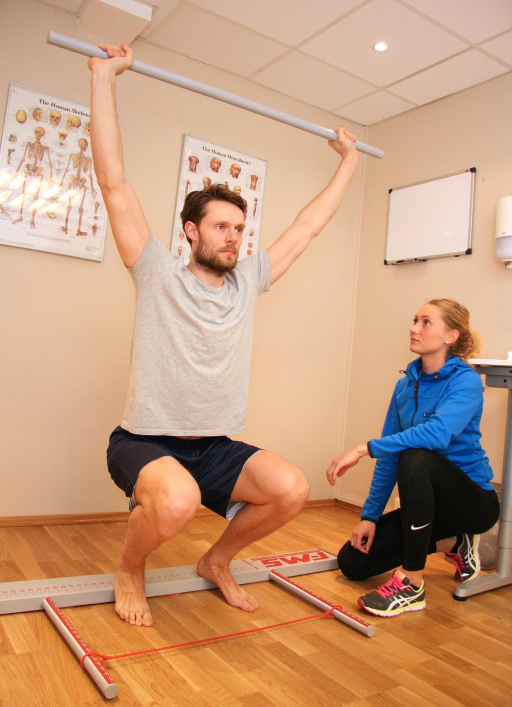 Fysioterapeuten på Fokusklinikken tilbyr FMS-test.Foto: Fokusklinikken